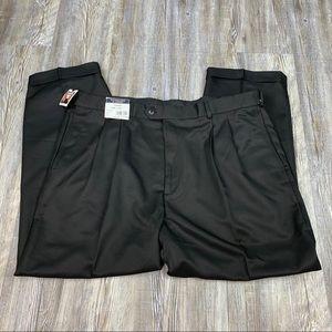 NWT Roundtree and Yorke Black Pleated Pants SZ 42